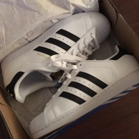 Adidas Superstar Size 10 Sneakers c77124 NEW efce2f72eb5